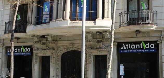 fachada centro médico Atlàntida_Calle Enric Granados