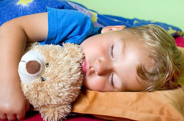 les hores de son influeixen en el creixement dels nens