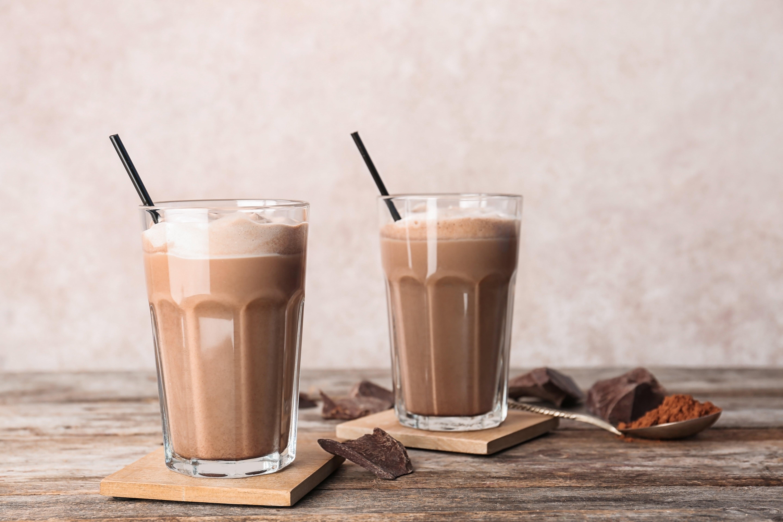 batidos de chocolate beneficiosos para deposrtistas y trabajo intelectual-min
