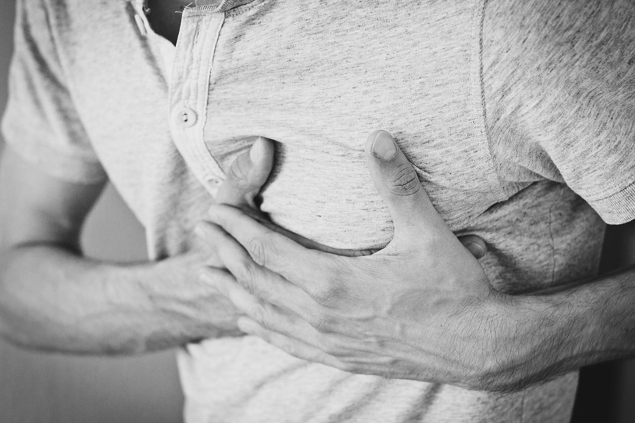 heartache-1846050_1280